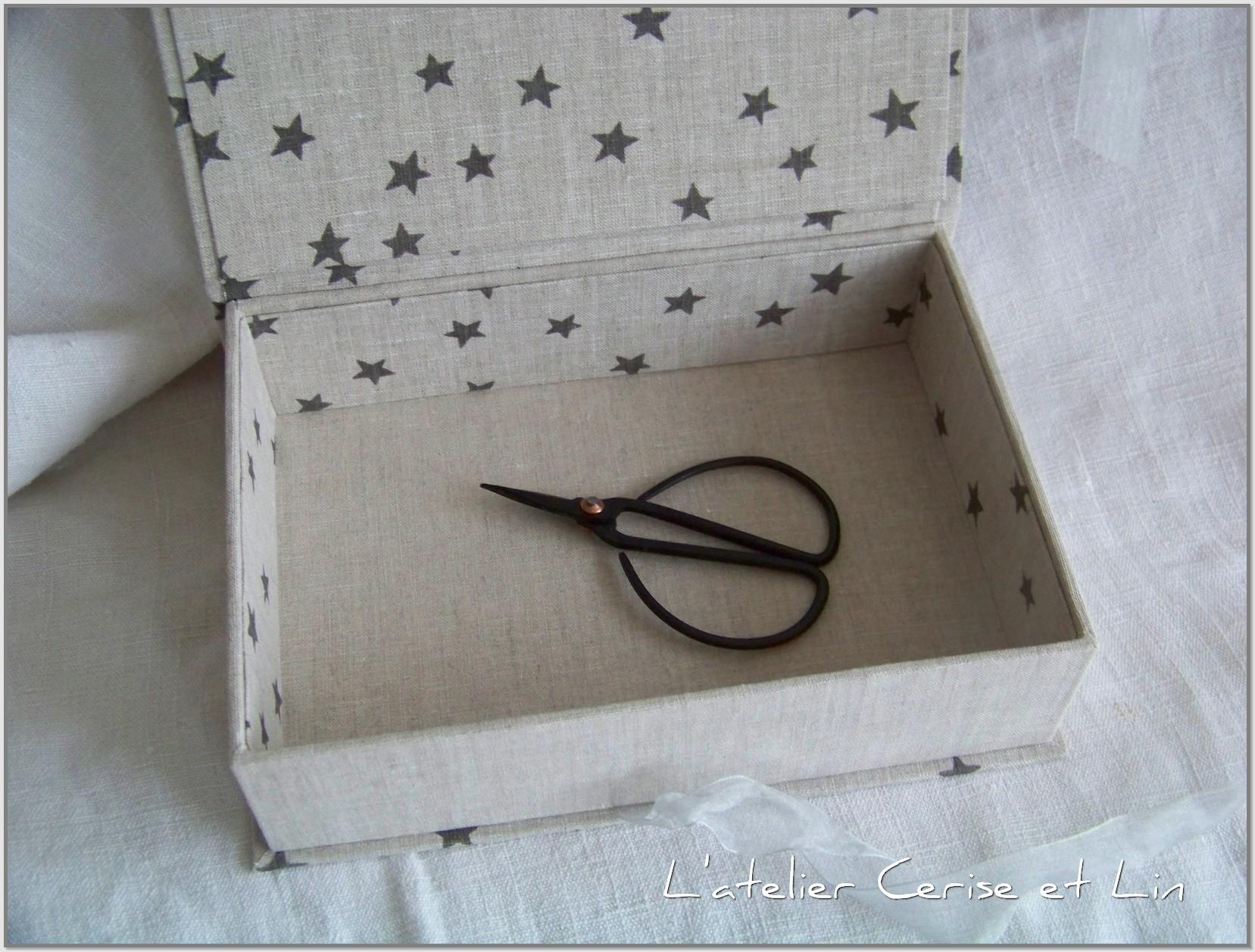 Boîtes étoilées en lin 017