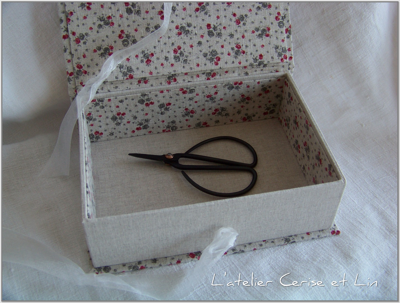 Boîte Lin (fleurs et coeurs) 021