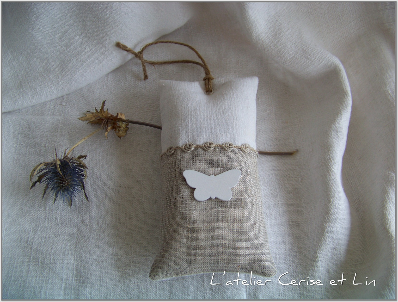 Coussins lavande Papillon blanc 011
